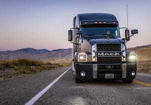 Mack  водитель