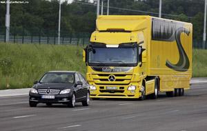 Mercedes daimler safety
