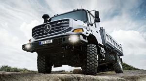 Mercedes Zetros вид снизу